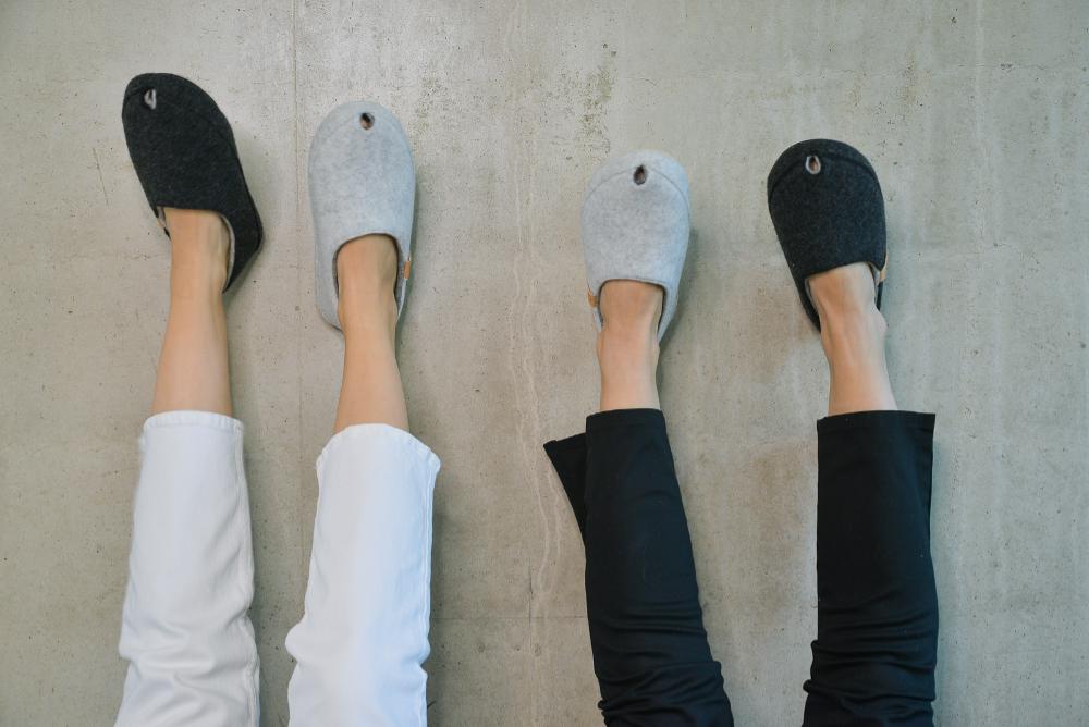 Toku-Budapest-indoor-slippers-v5